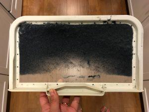 2ef41b2616 Mosás – Ahogy Feri már említette, itt kicsit máshogy megy a mosás. Az  albérleteknél extrának számít, ha van mosógép (+ szárítógép) a lakásban.